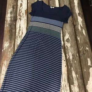 Max Studio Maxi Dress Short Sleeve - Medium